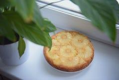 Tarte avec l'ananas Photo stock