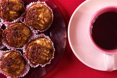 Tarte crème, gâteau et tasse savoureux de café fort Photo stock