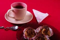 Tarte crème, gâteau et tasse savoureux de café fort Image stock