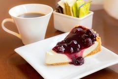 Tarte délicieux de Bluberry avec du café Photo libre de droits