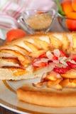 Tarte d'abricot décorée de l'amande Photo libre de droits
