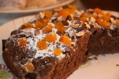 tarte de chocolat avec les fruits secs image stock