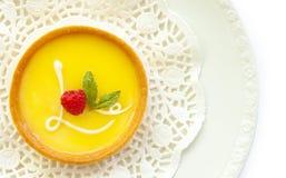 Tarte de citron avec le glaçage d'amour Photo stock