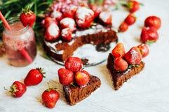 Tarte de fraise, tarte sablée de fraise, confiture de fraise portion h Photo libre de droits