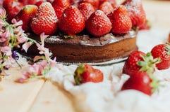 Tarte de fraise, tarte sablée de fraise, confiture de fraise portion h Photos stock