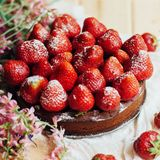 Tarte de fraise, tarte sablée de fraise, confiture de fraise portion h Image stock