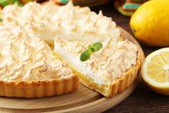 Tarte de meringue de citron Photographie stock libre de droits