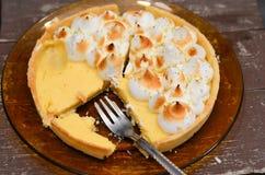 Tarte de meringue de citron Photos libres de droits