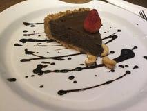 Tarte de mousse de chocolat Dessert cru Photos libres de droits