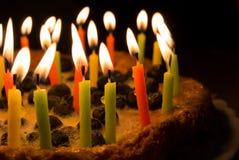 Tarte de myrtille avec des bougies Images libres de droits