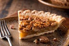 Tarte de noix de pécan et de kumquat photos libres de droits