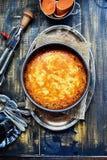 Tarte de patate douce avec le remous de fromage fondu image libre de droits