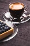 Tarte et café de myrtille Photos stock