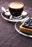 Tarte et café de myrtille Images libres de droits
