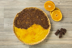 Tarte fait maison d'orange et de chocolat Photographie stock libre de droits