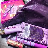 Tarte-Kosmetikausrüstung Stockbild