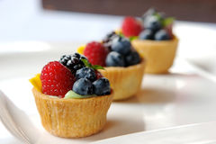 Tarte miniature de fruit Photographie stock