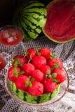 Tarte refroidi de pastèque images stock