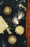 Tarte Tatin com cebolas caramelizadas Fotos de Stock Royalty Free
