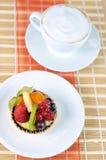 Tarte y café de la fruta Imágenes de archivo libres de regalías