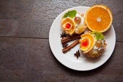 Tartelettes et café crémeux doux de matin Image libre de droits