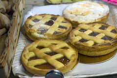 Tartes dans la boulangerie Image stock