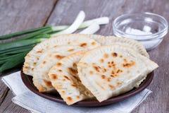 Tartes frits chauds sur un plan rapproché de plat Image stock