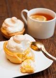 Tartlet с творогом меренги и лимона Стоковые Фото