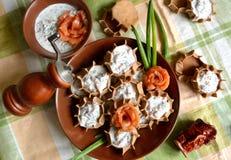 Tartlet Rye с сыром и семгами творога Стоковое фото RF