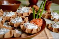 Tartlet Rye с сыром и семгами творога Стоковые Фото