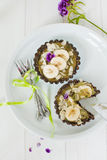 tartlets банана сырцовые стоковые изображения rf