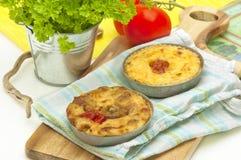2 tartlets сыра (горизонтального) Стоковая Фотография RF