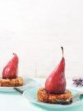 Tartlets с грушами вертикально Стоковые Изображения RF