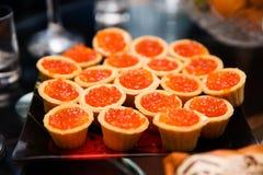 Tartlets с красной икрой Стоковое Изображение RF