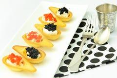 Tartlets с красной и черной икрой Стоковое Изображение RF