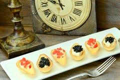 Tartlets с красной и черной икрой Стоковые Изображения RF