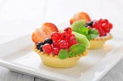 Tartlets с свежими ягодами Стоковая Фотография