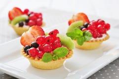 Tartlets с свежими ягодами Стоковое Изображение RF