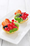 Tartlets с свежими ягодами Стоковые Фотографии RF