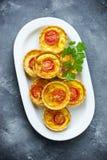 Tartlets томата сыра Стоковая Фотография RF