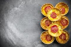 Tartlets томата сыра Стоковые Фотографии RF