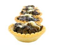 Tartlets com cogumelos e queijo Isolado Fotos de Stock Royalty Free