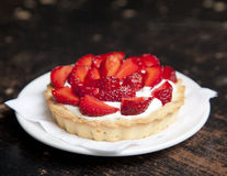 Tartlets with juicy strawberries Royalty Free Stock Images
