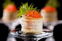 Tartlets met rode kaviaar Royalty-vrije Stock Foto