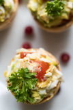 Tartlets mit Avocado Stockbild