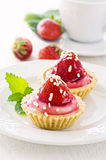 Tartlets with strawberry Royalty Free Stock Photos
