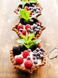 Tartlets z serem i jagodami Obraz Royalty Free