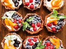 Tartlets z serem i jagodami Obrazy Royalty Free