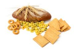 Tarweproducten op witte achtergrond worden geïsoleerd die Royalty-vrije Stock Foto's