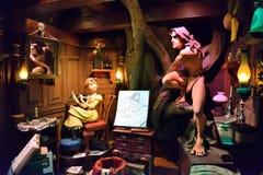 Tarzan &珍妮雕象,迪斯尼漫画人物 库存照片
